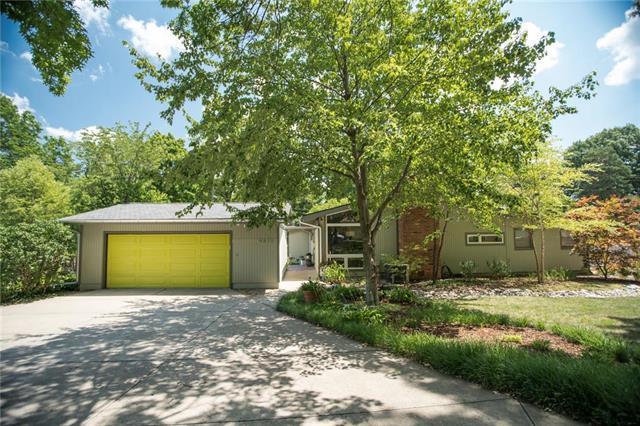 4615 Homestead Drive, Prairie Village, KS 66208 (#2117332) :: Edie Waters Network