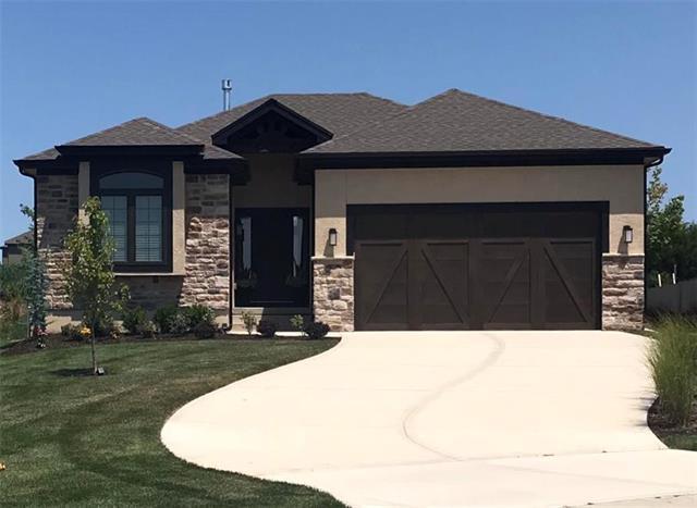 9843 Garden Street, Lenexa, KS 66227 (#2117392) :: NestWork Homes
