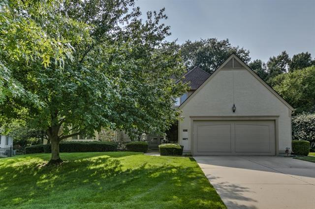 8150 Delmar Street, Prairie Village, KS 66208 (#2117393) :: Char MacCallum Real Estate Group