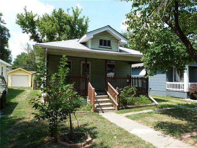 1226 E 24th Avenue, North Kansas City, MO 64116 (#2117559) :: Edie Waters Network