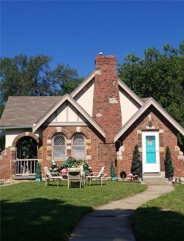 7210 Highland Avenue, Kansas City, MO 64131 (#2117642) :: Edie Waters Network