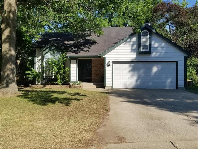 404 NW 41st St Terr Court, Blue Springs, MO 64015 (#2117718) :: Edie Waters Network