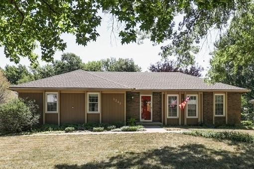 1243 NE 81st Street, Kansas City, MO 64118 (#2117890) :: Edie Waters Network