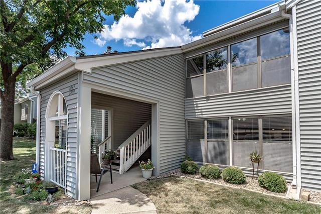 8859 W 106TH Terrace, Overland Park, KS 66212 (#2117931) :: HergGroup Kansas City