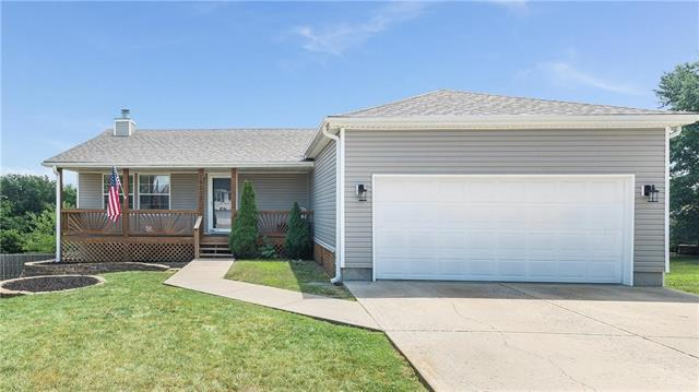 19217 E 15th Terrace Court, Independence, MO 64056 (#2117946) :: Edie Waters Network