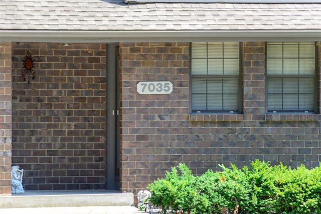 7035 Fisk Court, Kansas City, MO 64151 (#2118061) :: Edie Waters Network
