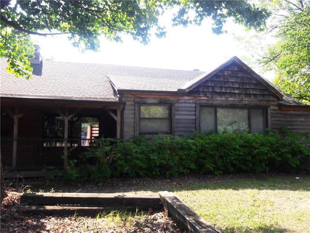 9600 Wornall Road, Kansas City, MO 64114 (#2118083) :: Edie Waters Network