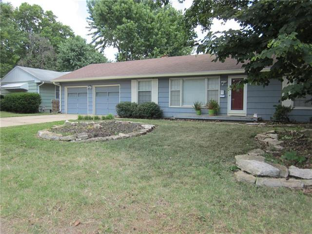 6112 W 55TH Street, Mission, KS 66202 (#2118087) :: Team Real Estate