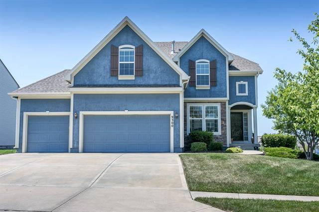 9300 Sunray Drive, Lenexa, KS 66227 (#2118144) :: NestWork Homes