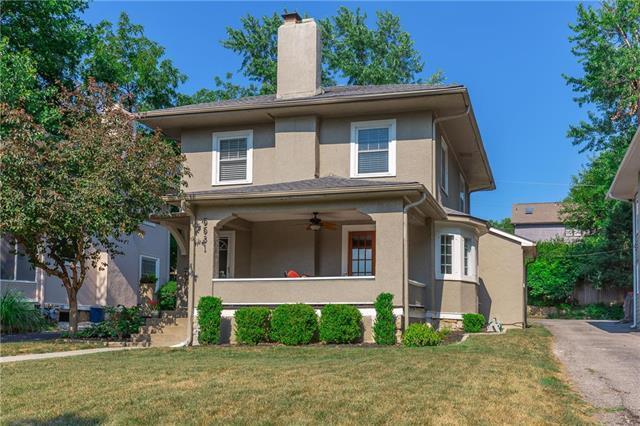 5531 Oak Street, Kansas City, MO 64113 (#2118159) :: Edie Waters Network