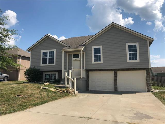 807 SW Hill Top Court, Grain Valley, MO 64029 (#2118202) :: Char MacCallum Real Estate Group