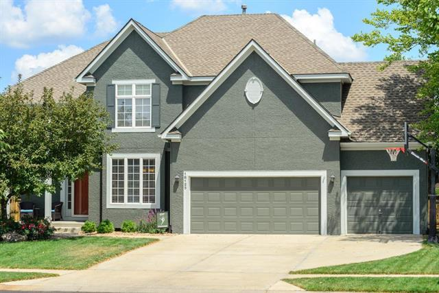 16125 S Laurelwood Street, Olathe, KS 66062 (#2118247) :: Edie Waters Network