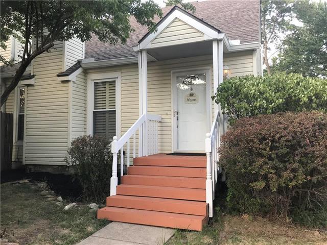 6210 NW 82nd Terrace, Kansas City, MO 64151 (#2118249) :: Kansas City Homes