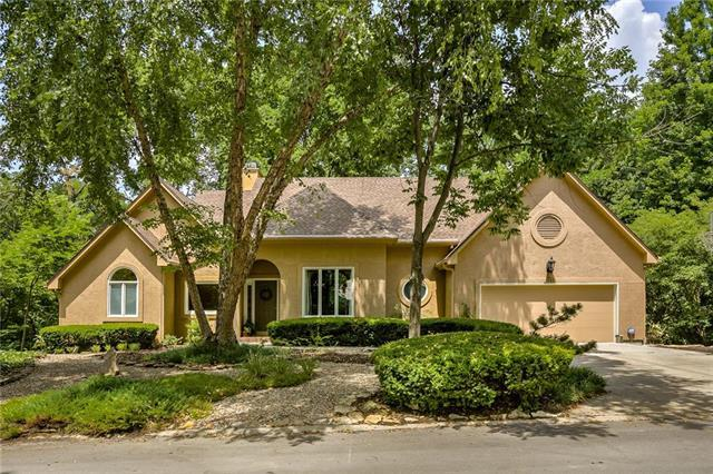 5243 NW Bluff Circle, Parkville, MO 64152 (#2118297) :: Kansas City Homes