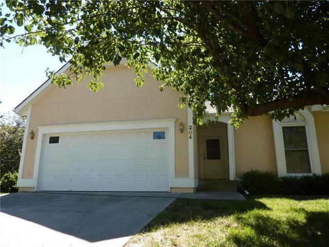 204 SE Ridgeview Drive, Lee's Summit, MO 64063 (#2118313) :: Kansas City Homes