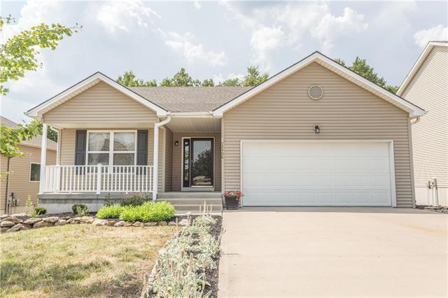 12406 N Wayne Avenue, Kansas City, MO 64165 (#2118330) :: Kansas City Homes