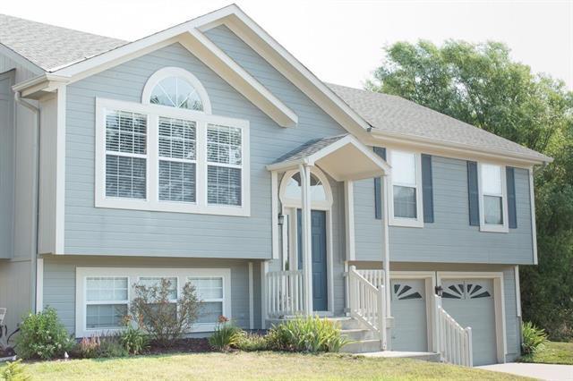 816 SE 15th Street, Lee's Summit, MO 64081 (#2118345) :: Kansas City Homes