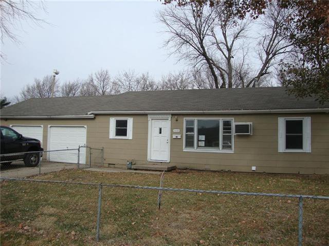 5600 E 101st Street, Kansas City, MO 64137 (#2118387) :: Edie Waters Network