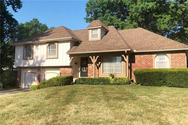7206 Flint Drive, Shawnee, KS 66203 (#2118391) :: NestWork Homes