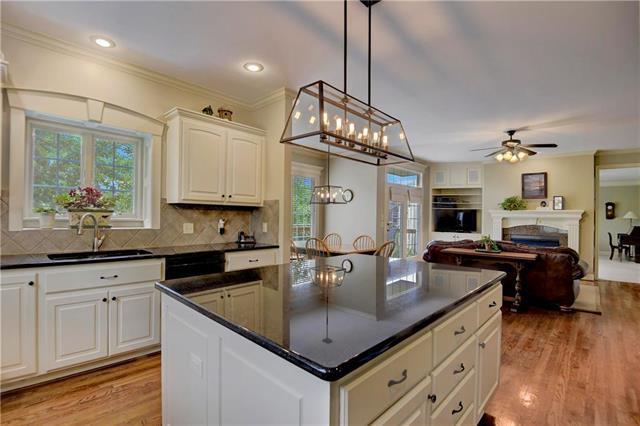 5310 W 166th Terrace, Overland Park, KS 66085 (#2118440) :: NestWork Homes