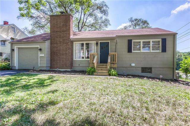 8425 Locust Street, Kansas City, MO 64131 (#2118441) :: NestWork Homes