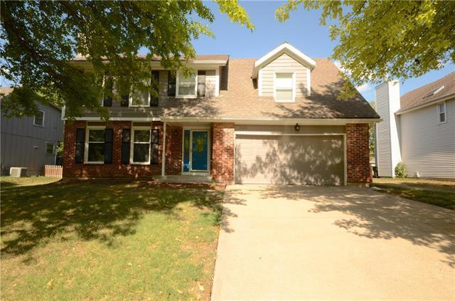 320 N Mesquite Street, Olathe, KS 66061 (#2118455) :: NestWork Homes
