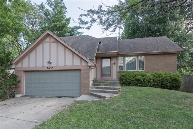 7430 Santa Fe Drive, Overland Park, KS 66204 (#2118506) :: NestWork Homes