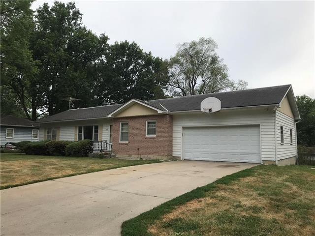 107 O E Avenue, Excelsior Springs, MO 64024 (#2118520) :: Edie Waters Network