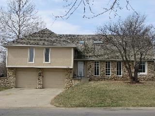6510 Cottonwood Drive, Shawnee, KS 66216 (#2118527) :: Kansas City Homes