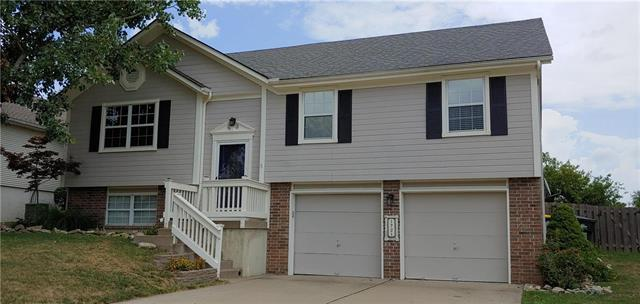 1721 NE Stonewood Drive, Lee's Summit, MO 64086 (#2118544) :: NestWork Homes