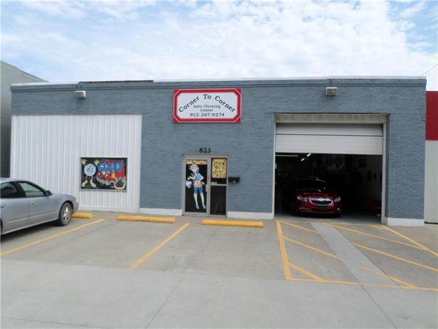 823 Main Street, Atchison, KS 66002 (#2118642) :: Char MacCallum Real Estate Group