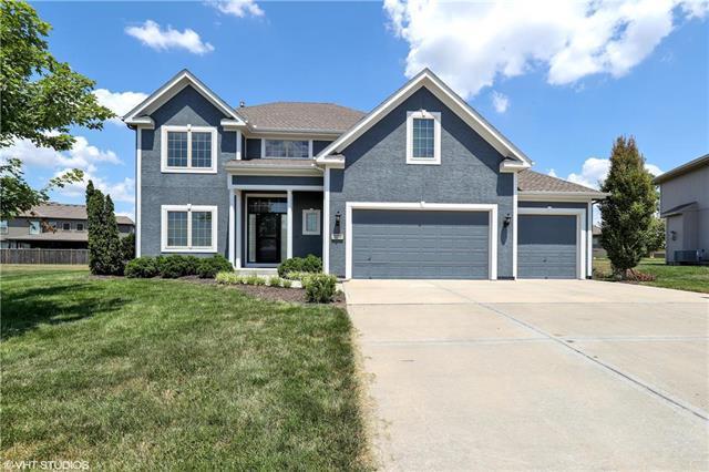 12718 S Laci Circle, Lee's Summit, MO 64086 (#2118650) :: Kansas City Homes