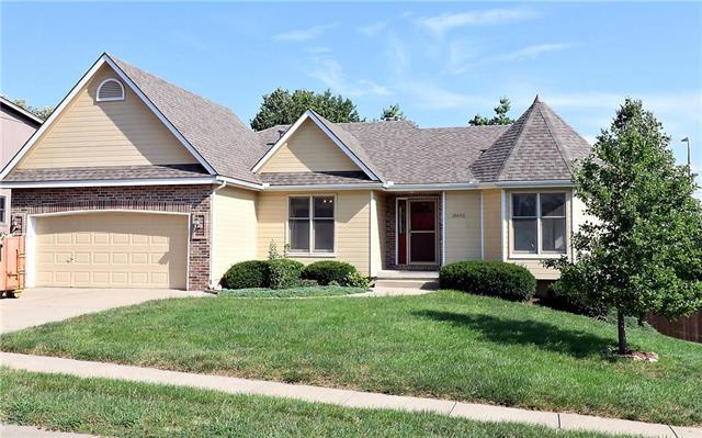 18600 E Hatton Avenue, Independence, MO 64057 (#2118654) :: Edie Waters Network