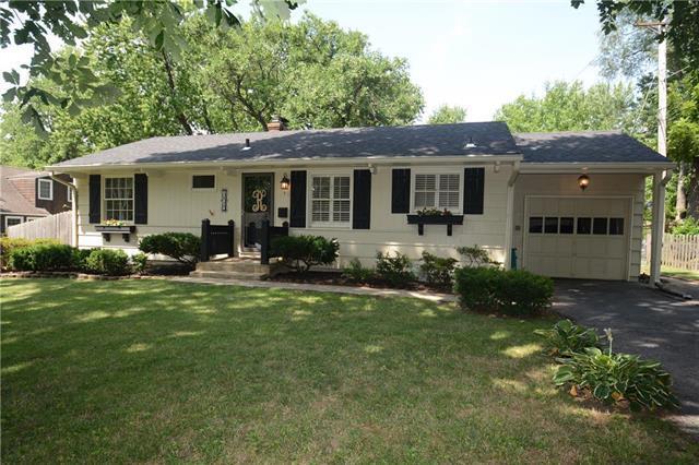 7110 Fonticello Street, Prairie Village, KS 66208 (#2118655) :: Edie Waters Network