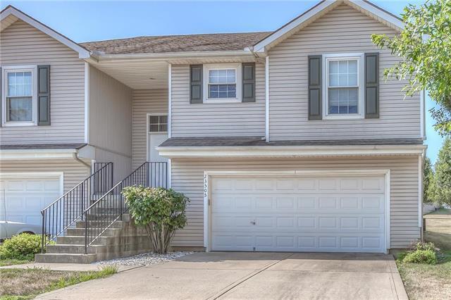 23501 W 73rd Street, Shawnee, KS 66227 (#2118691) :: Char MacCallum Real Estate Group