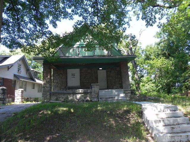 5218 Highland Avenue, Kansas City, MO 64110 (#2118836) :: Edie Waters Network
