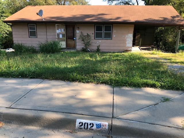 202 Vine Street, Platte City, MO 64079 (#2118938) :: The Gunselman Team