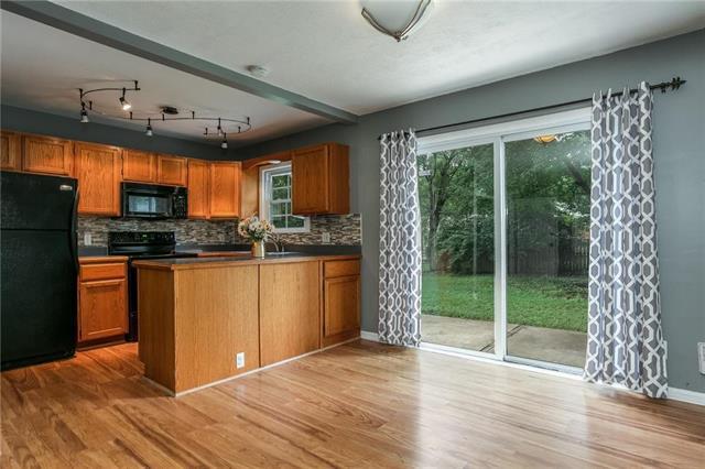 6421 W 81ST Street, Overland Park, KS 66204 (#2118972) :: Char MacCallum Real Estate Group