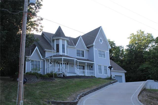 3804 Garland Street, Leavenworth, KS 66048 (#2118983) :: No Borders Real Estate