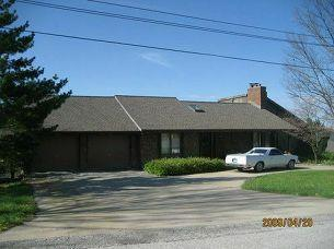 9703 NW 77th Terrace, Weatherby Lake, MO 64152 (#2118985) :: Edie Waters Network