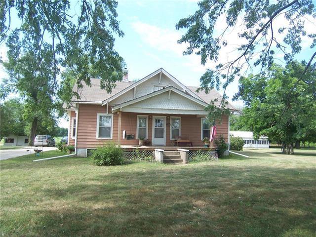 14832 E 800 Road, Mound City, KS 66056 (#2119029) :: Edie Waters Network