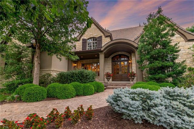 4008 W 112th Street, Leawood, KS 66211 (#2119057) :: Char MacCallum Real Estate Group