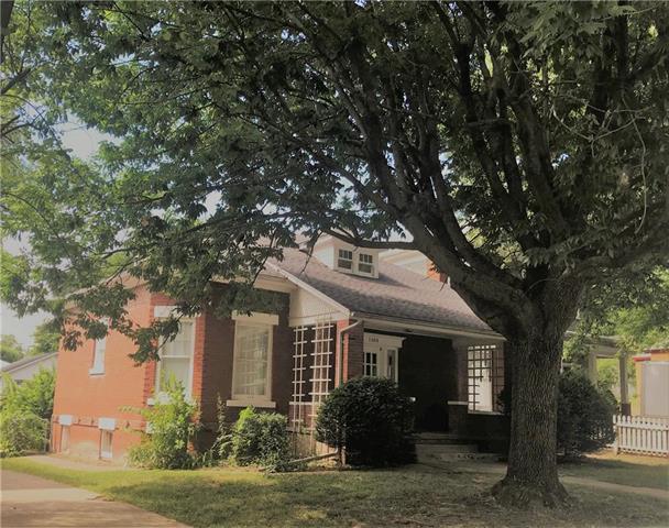 1805 South Street, Lexington, MO 64067 (#2119070) :: Edie Waters Network