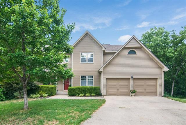 15602 Outlook Street, Overland Park, KS 66223 (#2119120) :: Edie Waters Network