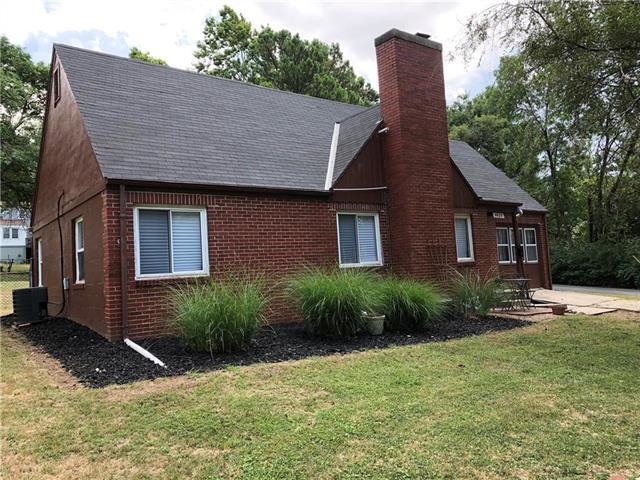 4425 N Askew Avenue, Kansas City, MO 64119 (#2119140) :: Kansas City Homes