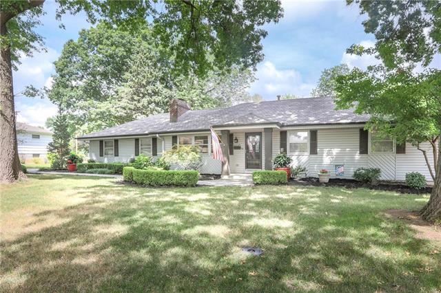 5305 Bond Street, Shawnee, KS 66202 (#2119192) :: Kedish Realty Group at Keller Williams Realty