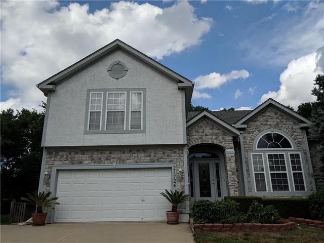 21726 W 61St. Street, Shawnee, KS 66218 (#2119213) :: Char MacCallum Real Estate Group