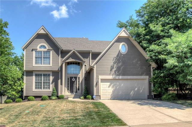 7924 W 140th Terrace, Overland Park, KS 66223 (#2119271) :: Kedish Realty Group at Keller Williams Realty