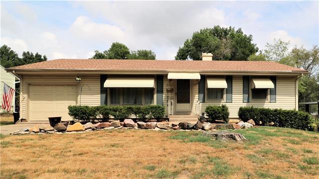 2621 Vernon Street, North Kansas City, MO 64116 (#2119295) :: Edie Waters Network