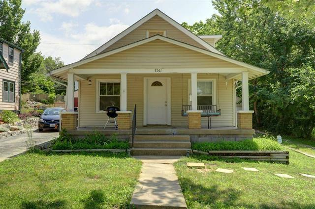 8511 Wayne Avenue, Kansas City, MO 64131 (#2119326) :: Edie Waters Network